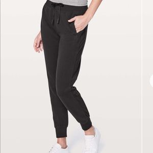 Lululemon Get Going Jogger in Black